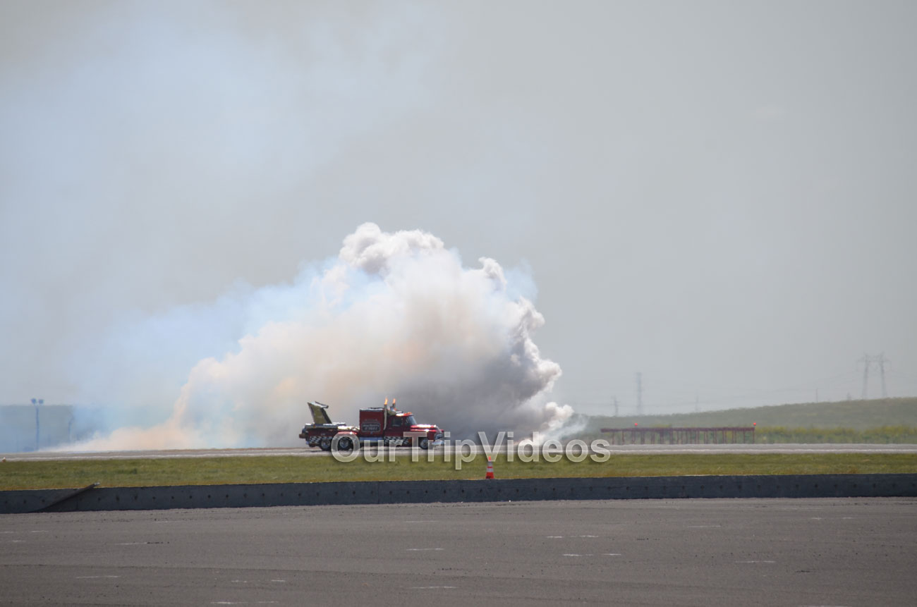 The Travis Air Force Base Air Show, Travis AFB, CA, USA - Picture 3 of 25