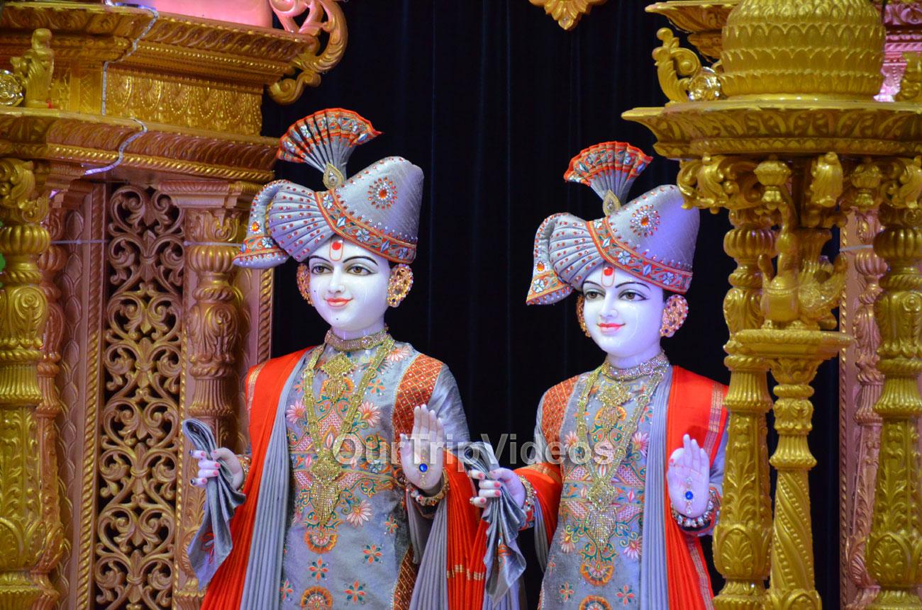 BAPS Shri Swaminarayan Mandir, Milpitas, CA, USA - Picture 9 of 25