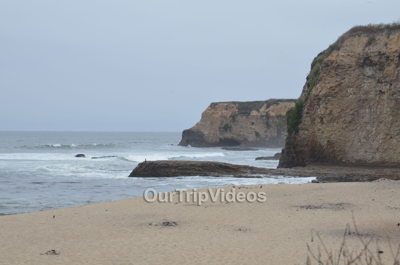 Davenport Landing Beach, Davenport, CA, USA - Picture 4 of 25