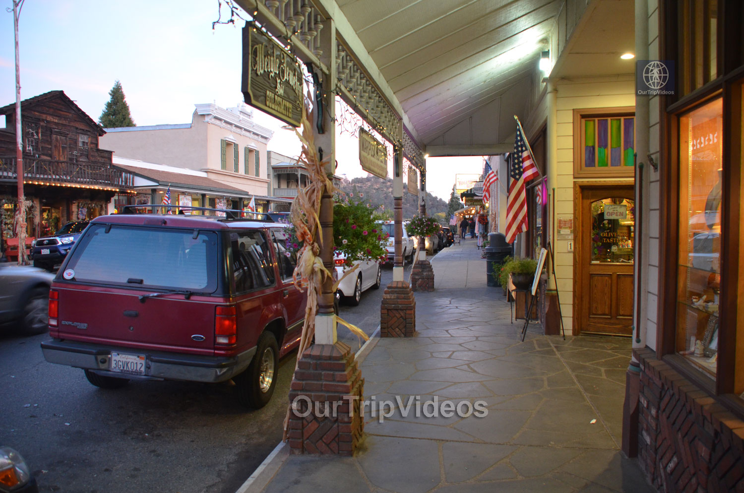 Mariposa, CA, USA - Picture 7 of 25