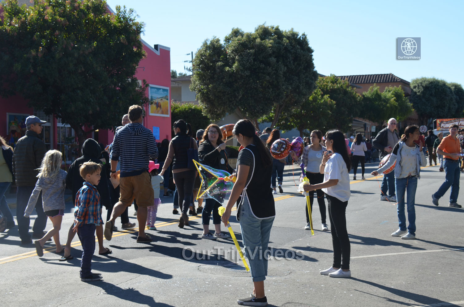 Art and Pumpkin Festival(Parade), Half Moon Bay, CA, USA - Picture 6 of 25