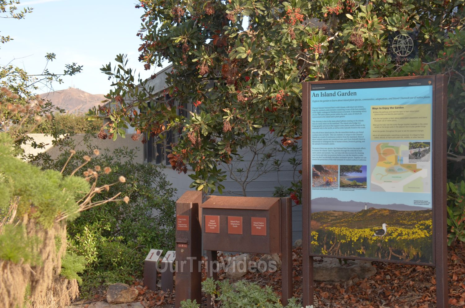 The Robert JL Visitor Center and Harbor cove beach, Ventura, CA, USA - Picture 5 of 25