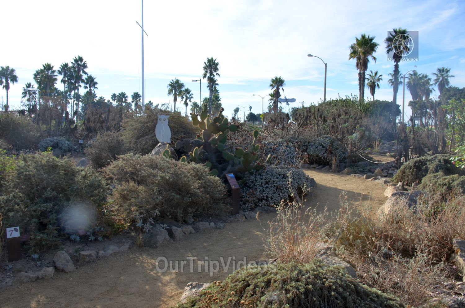 The Robert JL Visitor Center and Harbor cove beach, Ventura, CA, USA - Picture 7 of 25