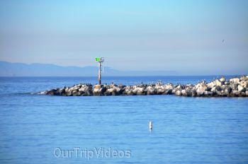 The Robert JL Visitor Center and Harbor cove beach, Ventura, CA, USA - Picture 19