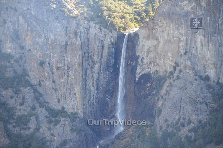 Yosemite National Park - Bridalveil Fall, Yosemite Valley, CA, USA - Picture 20 of 25