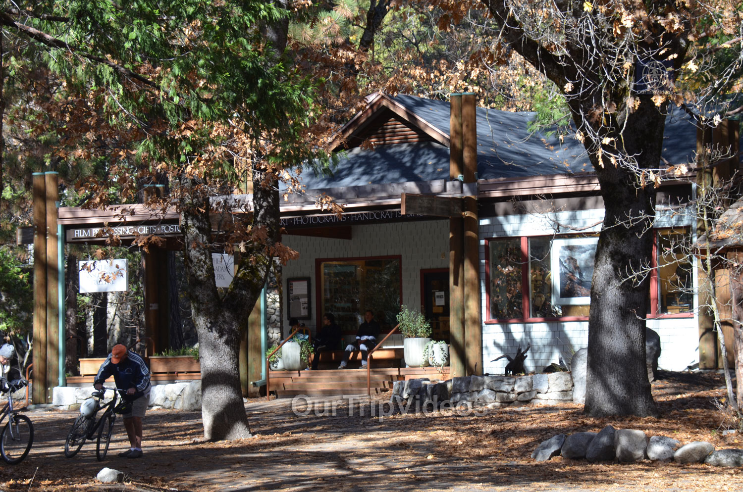 Yosemite National Park - Valley Visitor Center, Yosemite Valley, CA, USA - Picture 6 of 25