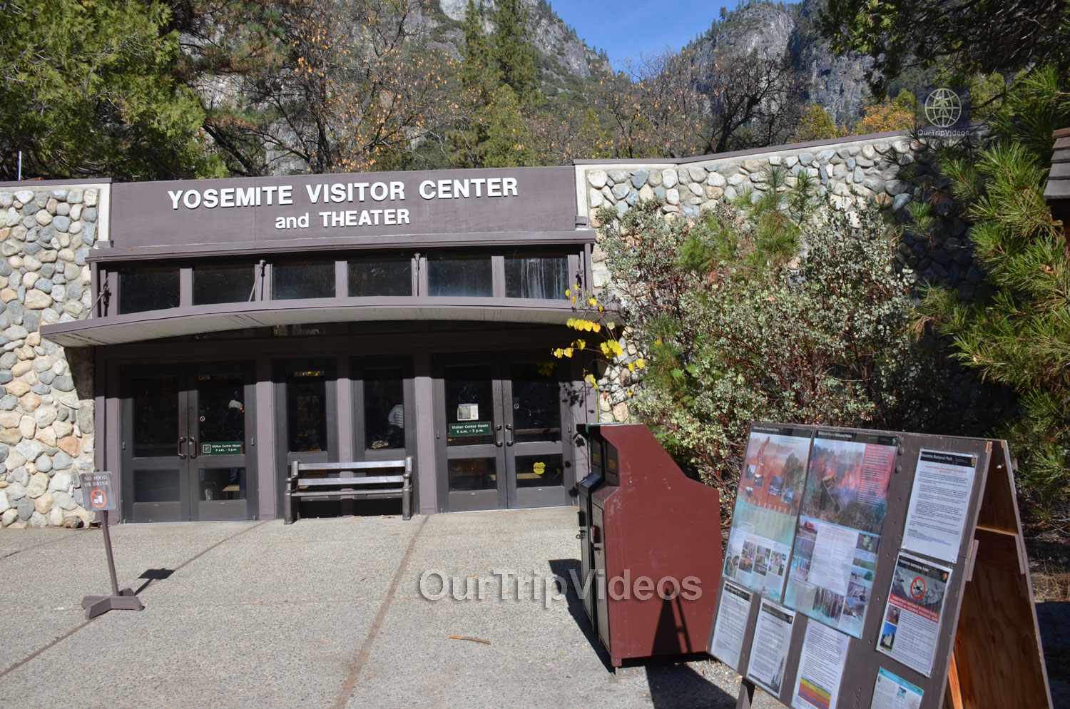Yosemite National Park - Valley Visitor Center, Yosemite Valley, CA, USA - Picture 10 of 25