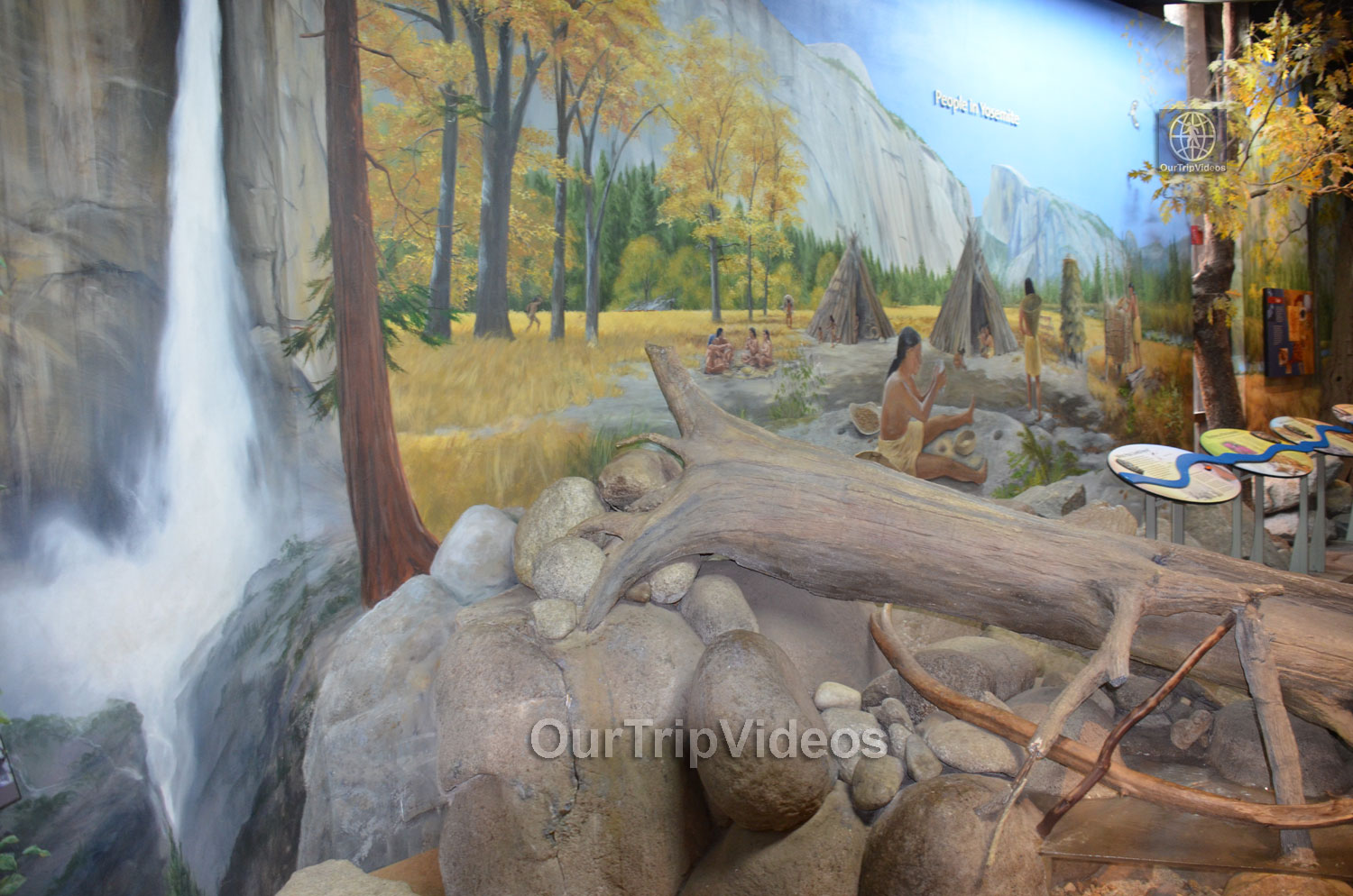 Yosemite National Park - Valley Visitor Center, Yosemite Valley, CA, USA - Picture 20 of 25