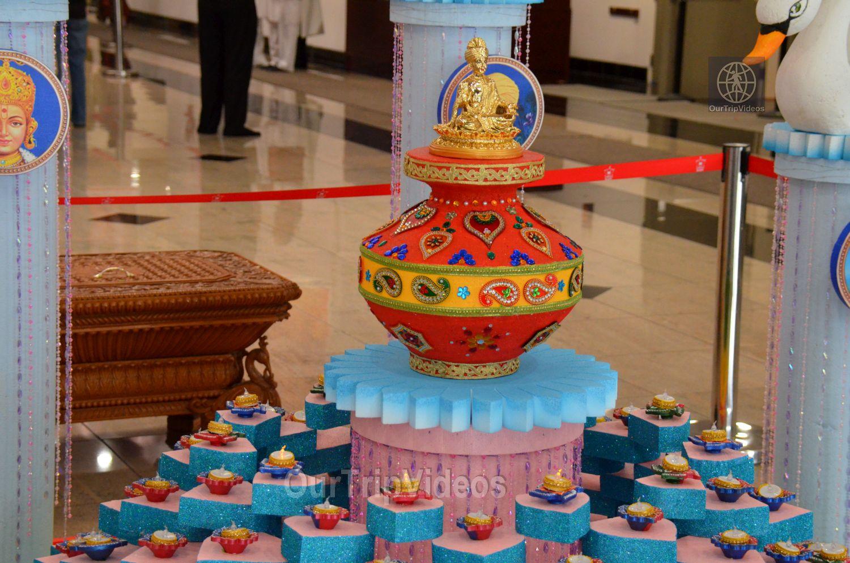 Diwali Celebrations at BAPS Swaminarayan Temple, Milpitas, CA, USA - Picture 3 of 25