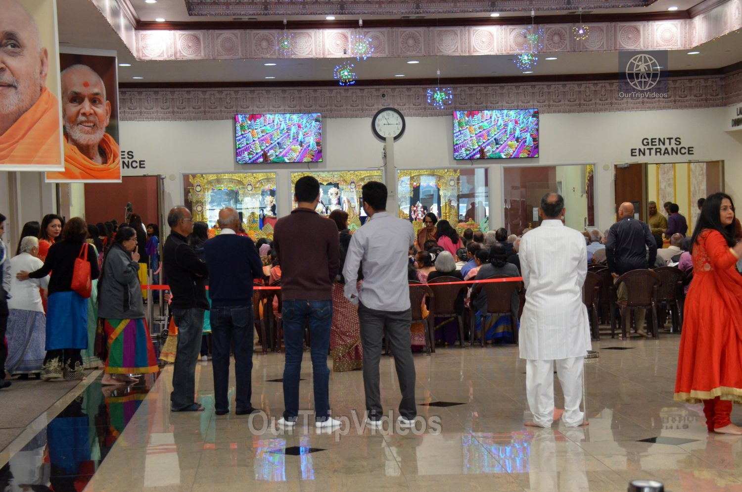 Diwali Celebrations at BAPS Swaminarayan Temple, Milpitas, CA, USA - Picture 6 of 25