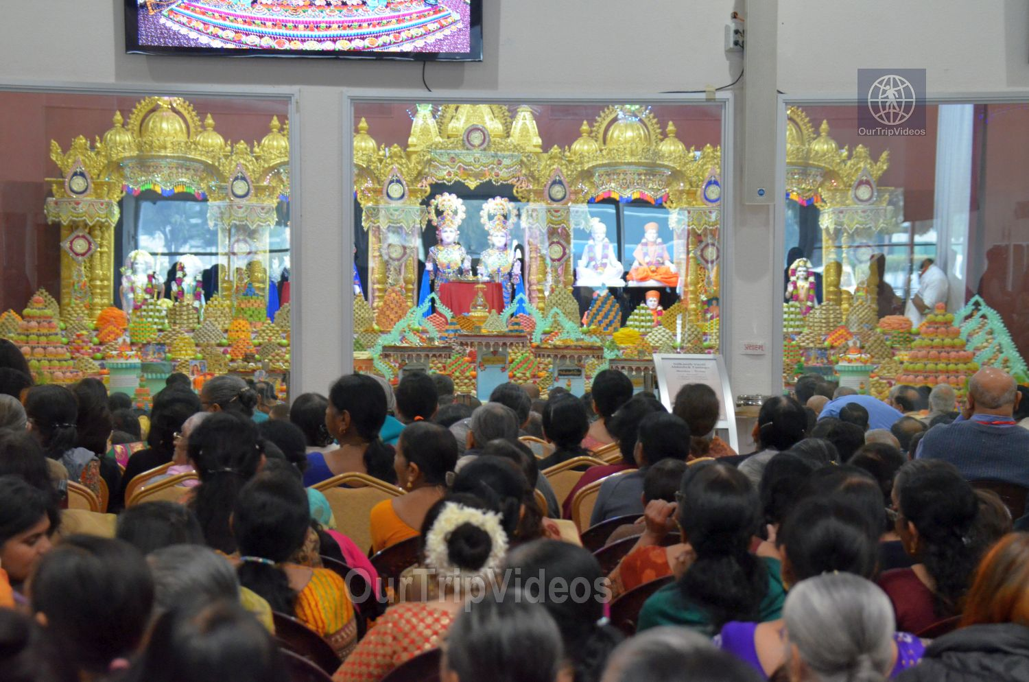 Diwali Celebrations at BAPS Swaminarayan Temple, Milpitas, CA, USA - Picture 9 of 25