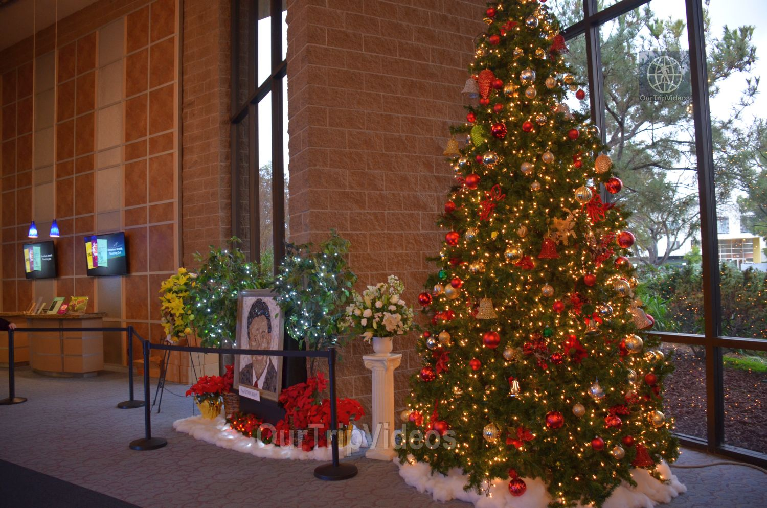 Christmas Eve Service at Cathedral of Faith, San Jose, CA, USA - Picture 2