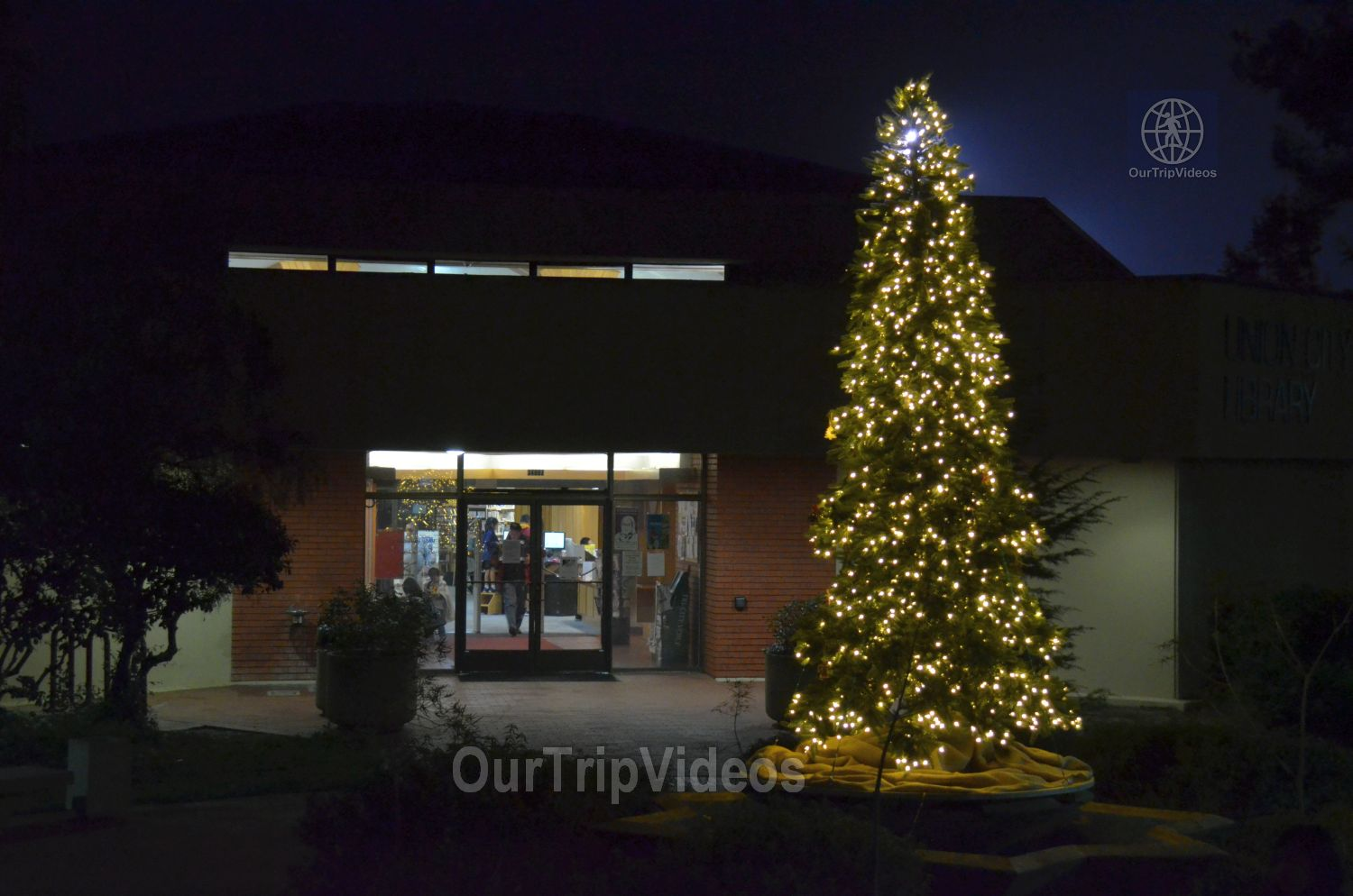 Trees of Angels Celebrations by WHHS, Union City, CA, USA - Picture 12 of 25