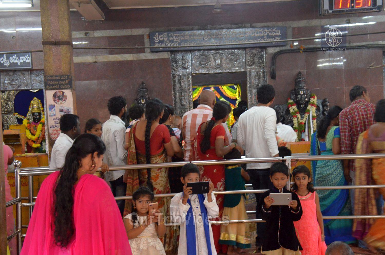 Sri Venkateswara Swamy Temple (Vaikunta Puram), Tenali, AP, India - Picture 7 of 25