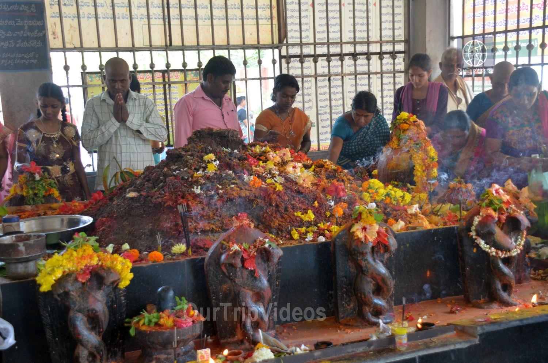 Sri Venkateswara Swamy Temple (Vaikunta Puram), Tenali, AP, India - Picture 11 of 25