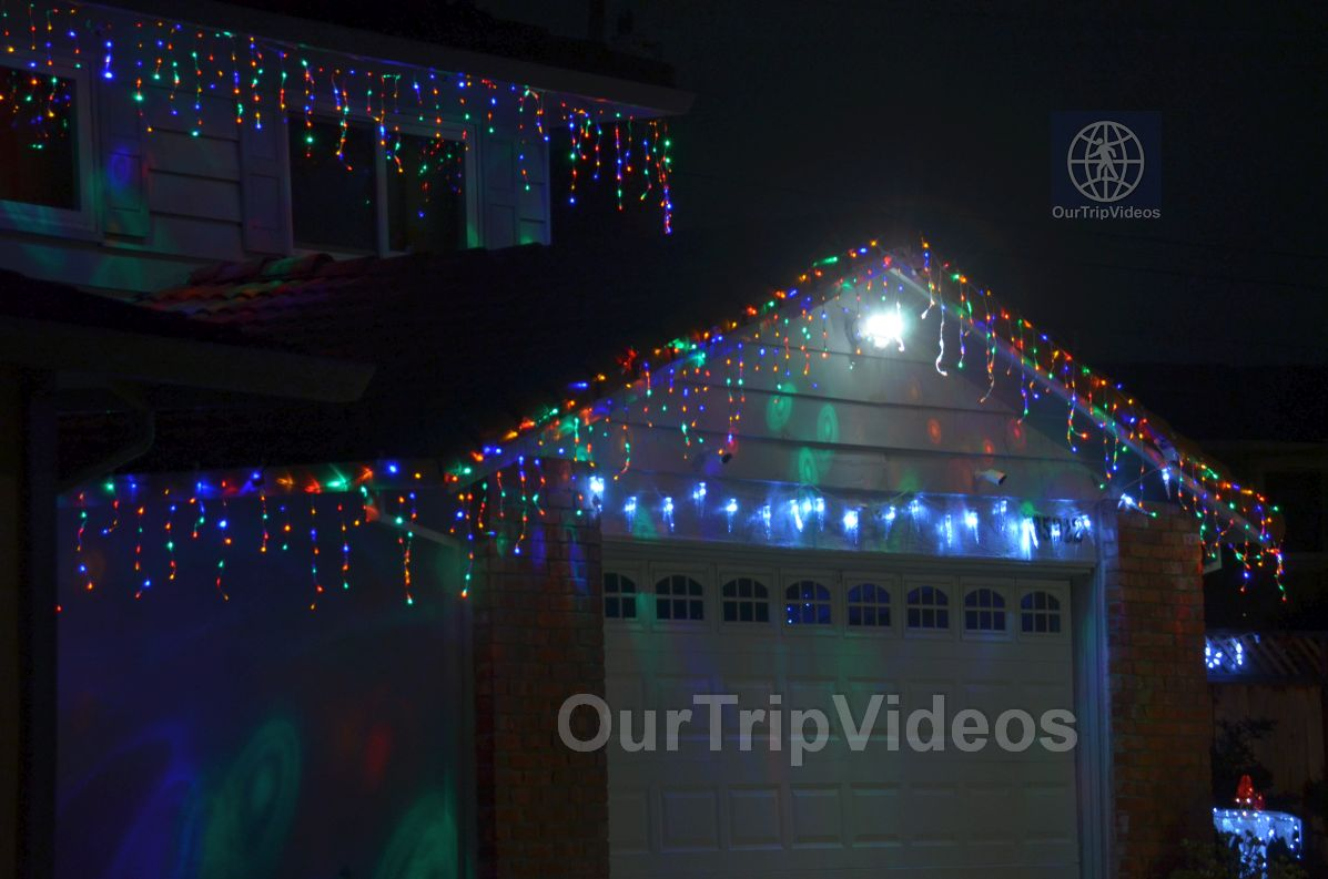 Crippsmas Place - Plywood decorations and Christmas Lights, Fremont, CA, USA - Picture 7 of 25