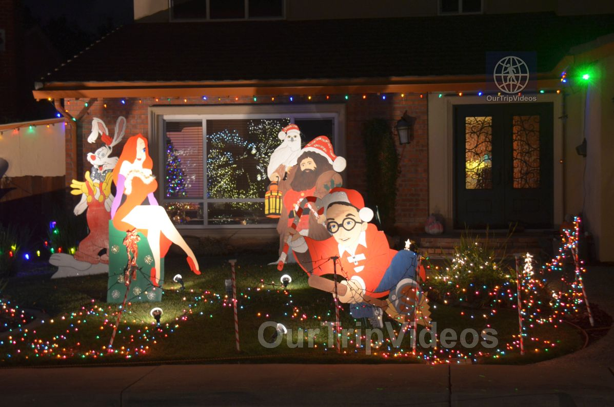 Crippsmas Place - Plywood decorations and Christmas Lights, Fremont, CA, USA - Picture 34 of 50
