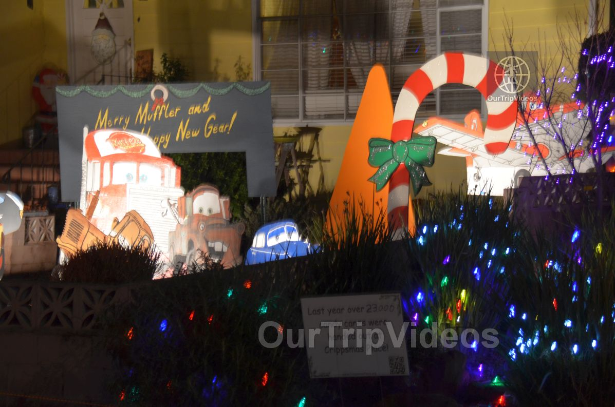 Crippsmas Place - Plywood decorations and Christmas Lights, Fremont, CA, USA - Picture 35 of 50