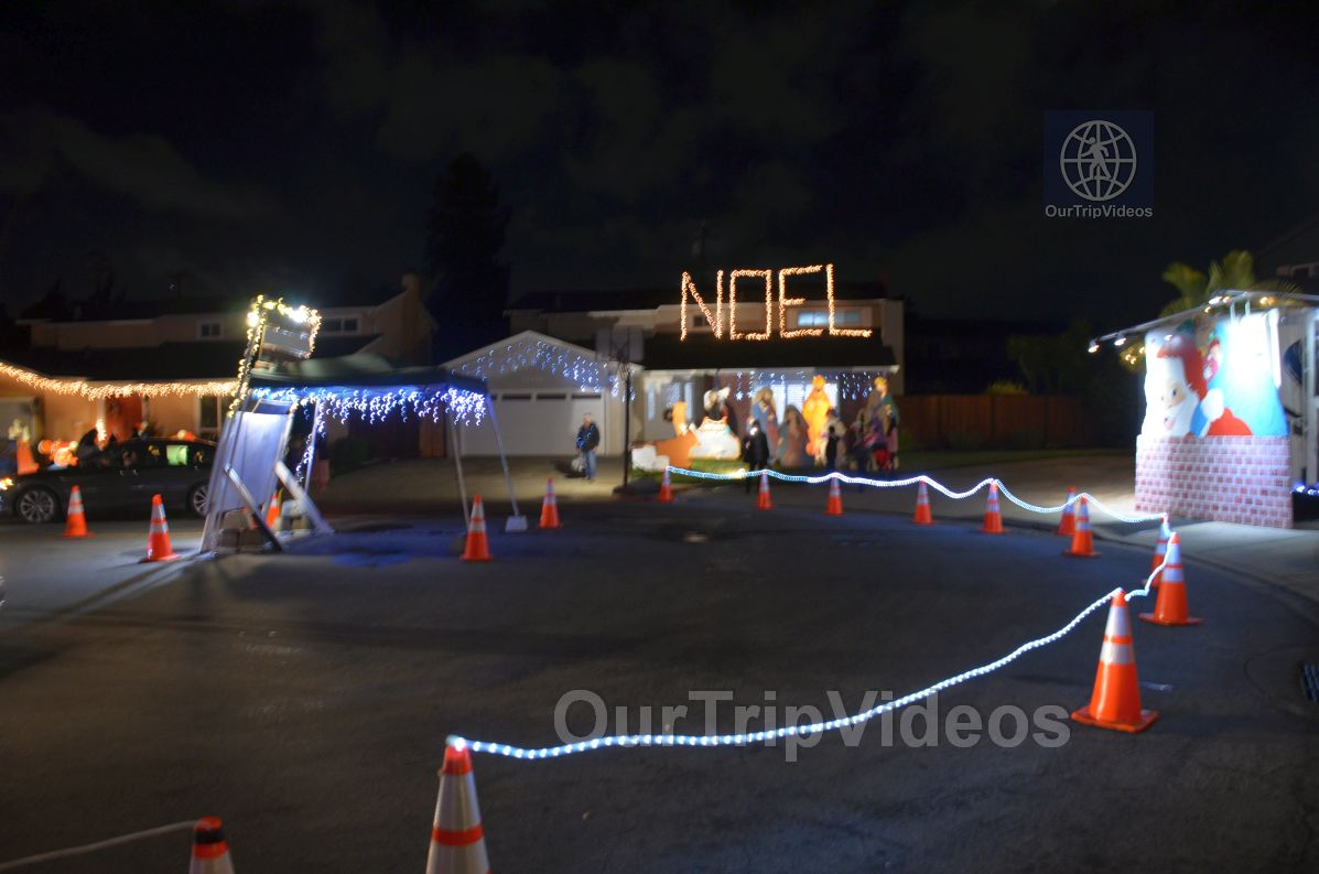 Crippsmas Place - Plywood decorations and Christmas Lights, Fremont, CA, USA - Picture 45 of 50