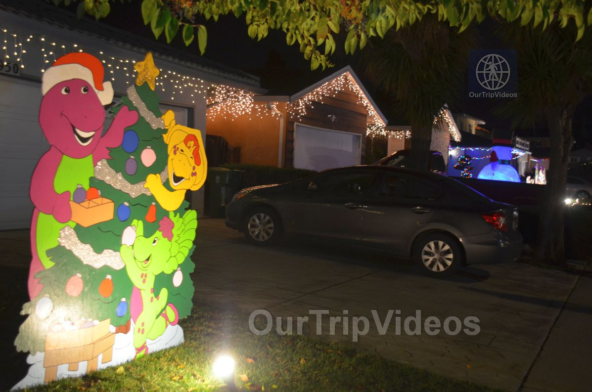Crippsmas Place - Plywood decorations and Christmas Lights, Fremont, CA, USA - Picture 76 of 100