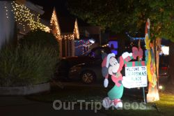 Crippsmas Place - Plywood decorations and Christmas Lights, Fremont, CA, USA - Picture 3