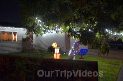 Crippsmas Place - Plywood decorations and Christmas Lights, Fremont, CA, USA - Picture 6