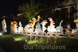 Crippsmas Place - Plywood decorations and Christmas Lights, Fremont, CA, USA - Picture 8