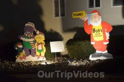 Crippsmas Place - Plywood decorations and Christmas Lights, Fremont, CA, USA - Picture 12