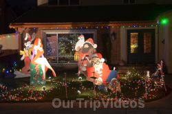 Crippsmas Place - Plywood decorations and Christmas Lights, Fremont, CA, USA - Picture 34