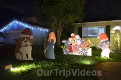 Crippsmas Place - Plywood decorations and Christmas Lights, Fremont, CA, USA - Picture 36