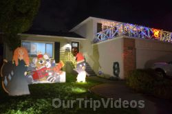 Crippsmas Place - Plywood decorations and Christmas Lights, Fremont, CA, USA - Picture 37