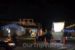 Crippsmas Place - Plywood decorations and Christmas Lights, Fremont, CA, USA - Picture 41