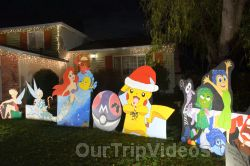 Crippsmas Place - Plywood decorations and Christmas Lights, Fremont, CA, USA - Picture 42