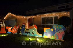 Crippsmas Place - Plywood decorations and Christmas Lights, Fremont, CA, USA - Picture 49