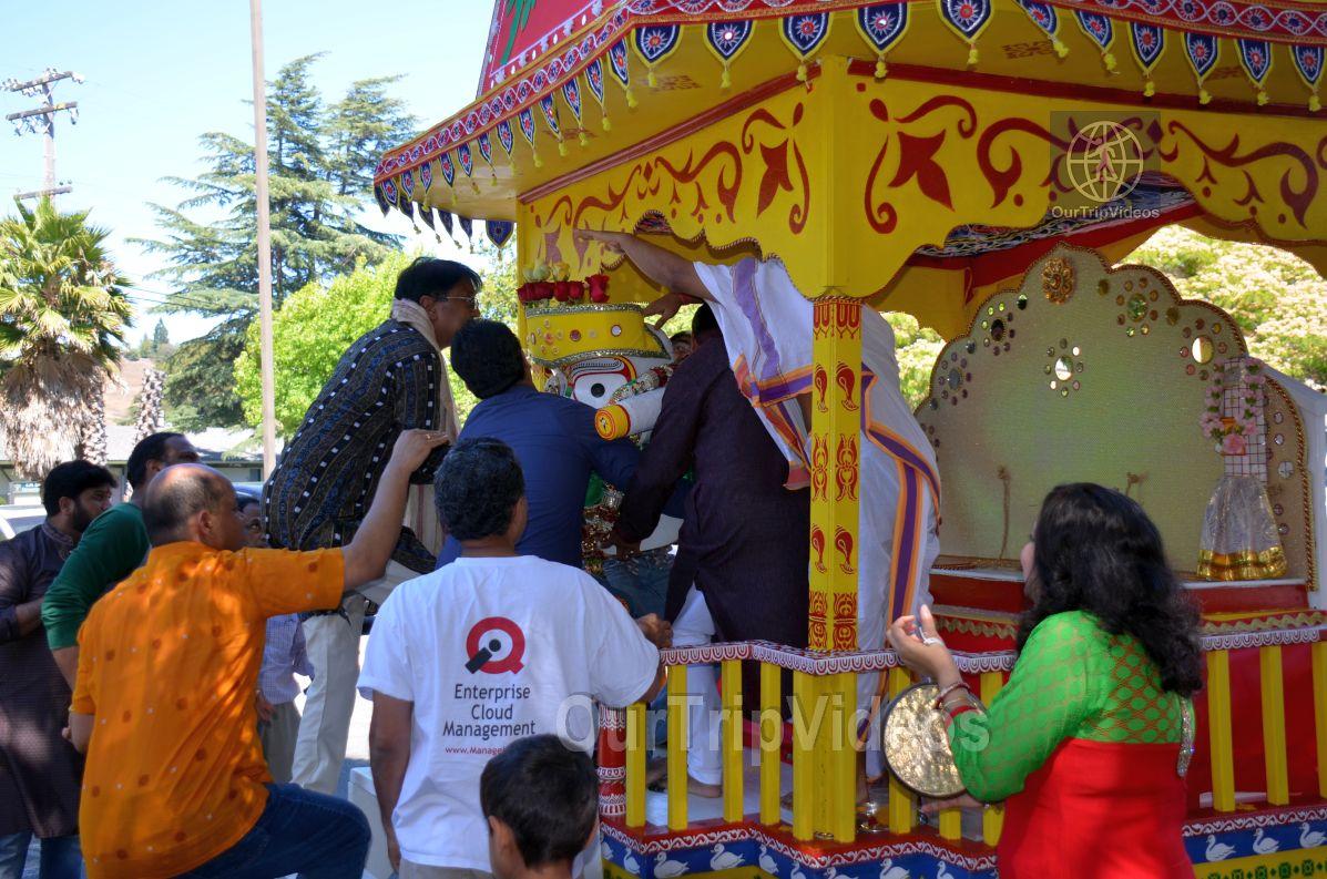 Sri Jagannath Bahuda Yatra - Suna Vesha, Fremont, CA, USA - Picture 14 of 25