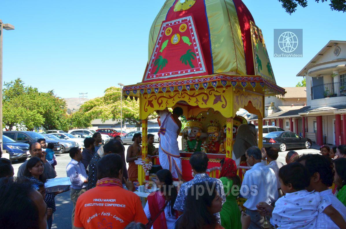 Sri Jagannath Bahuda Yatra - Suna Vesha, Fremont, CA, USA - Picture 20 of 25