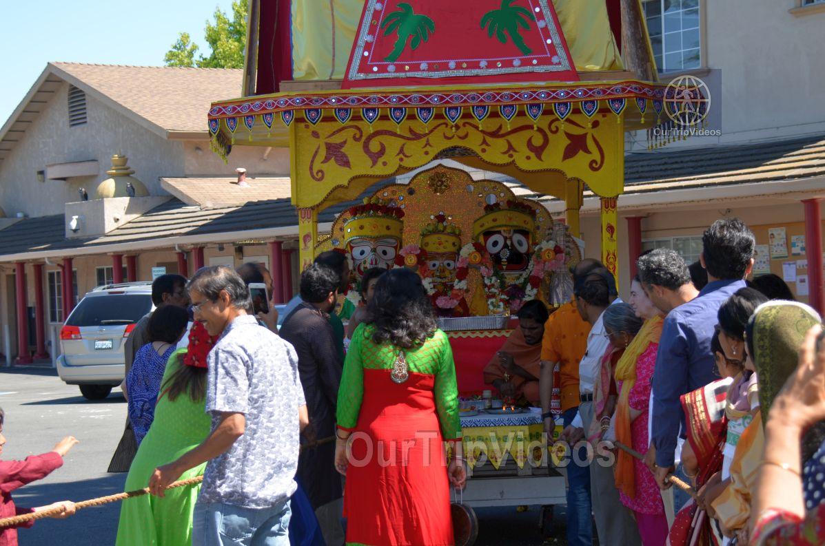 Sri Jagannath Bahuda Yatra - Suna Vesha, Fremont, CA, USA - Picture 29 of 50