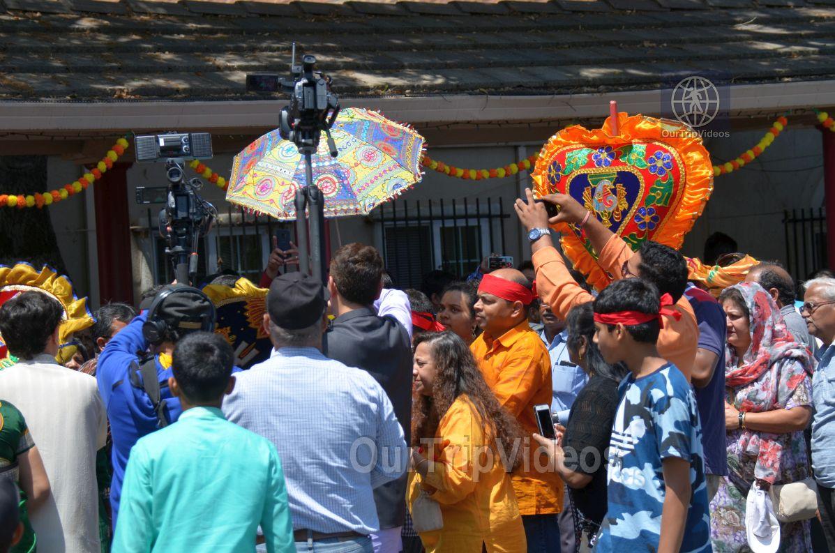 Sri Jagannath Ratha Yatra/Chariot Festival, Fremont, CA, USA - Picture 3 of 25