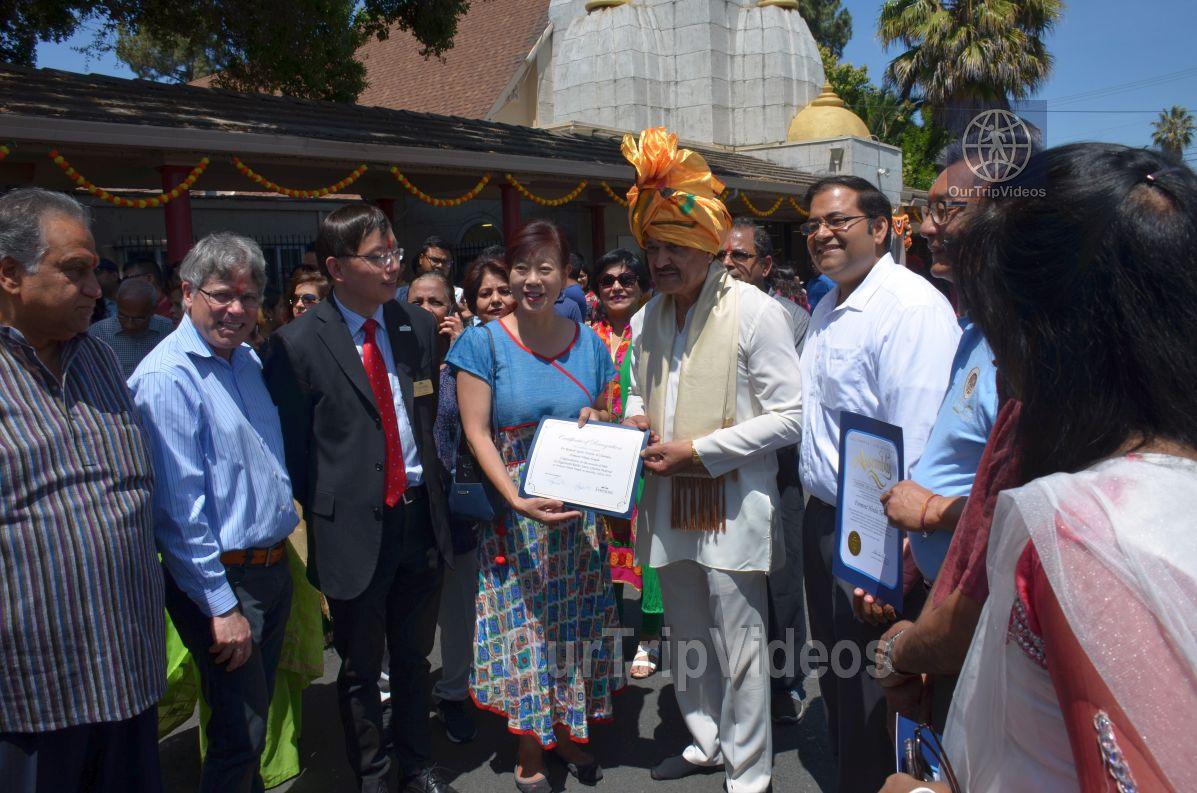 Sri Jagannath Ratha Yatra/Chariot Festival, Fremont, CA, USA - Picture 6 of 25