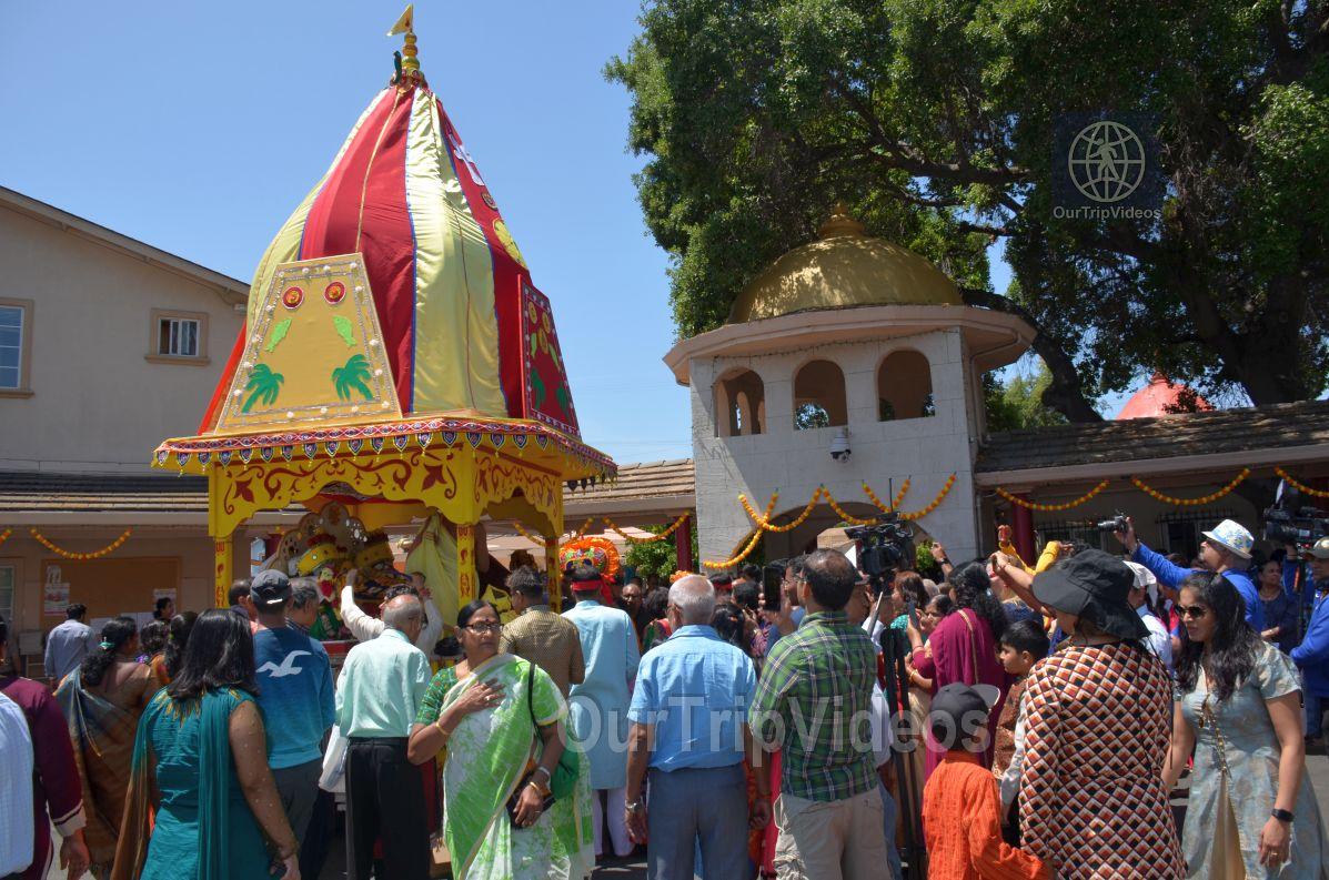 Sri Jagannath Ratha Yatra/Chariot Festival, Fremont, CA, USA - Picture 16 of 25