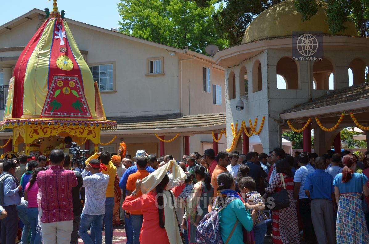Sri Jagannath Ratha Yatra/Chariot Festival, Fremont, CA, USA - Picture 17 of 25