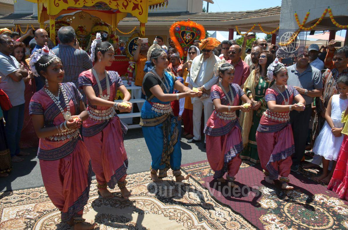 Sri Jagannath Ratha Yatra/Chariot Festival, Fremont, CA, USA - Picture 23 of 25