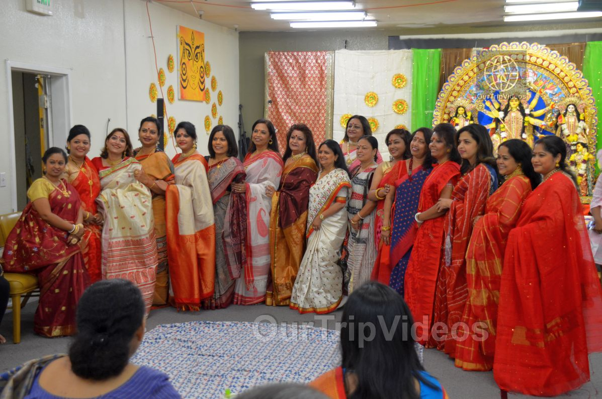 FOG Bengal Durga Puja - Sindur Khela and Temple Aarati, Fremont, CA, USA - Picture 18 of 25