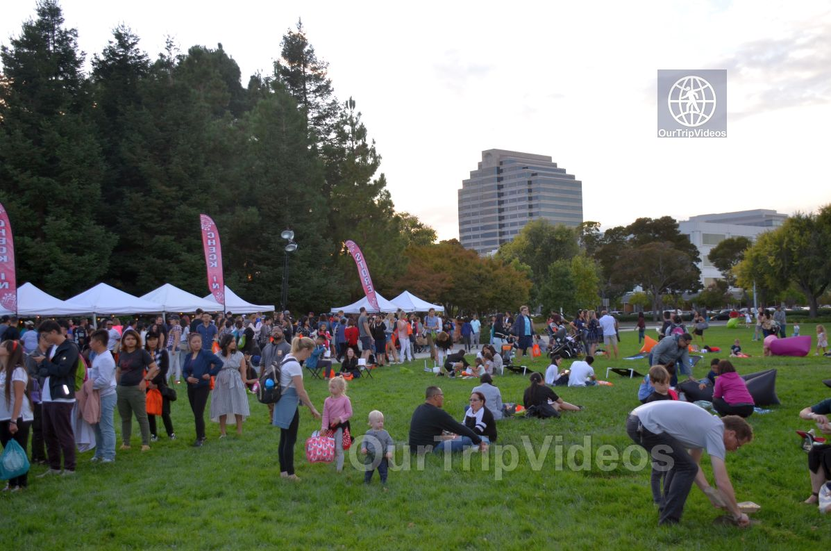 San Francisco(Bay Area) Water Lantern Festival, Foster City, CA, USA - Picture 28 of 50