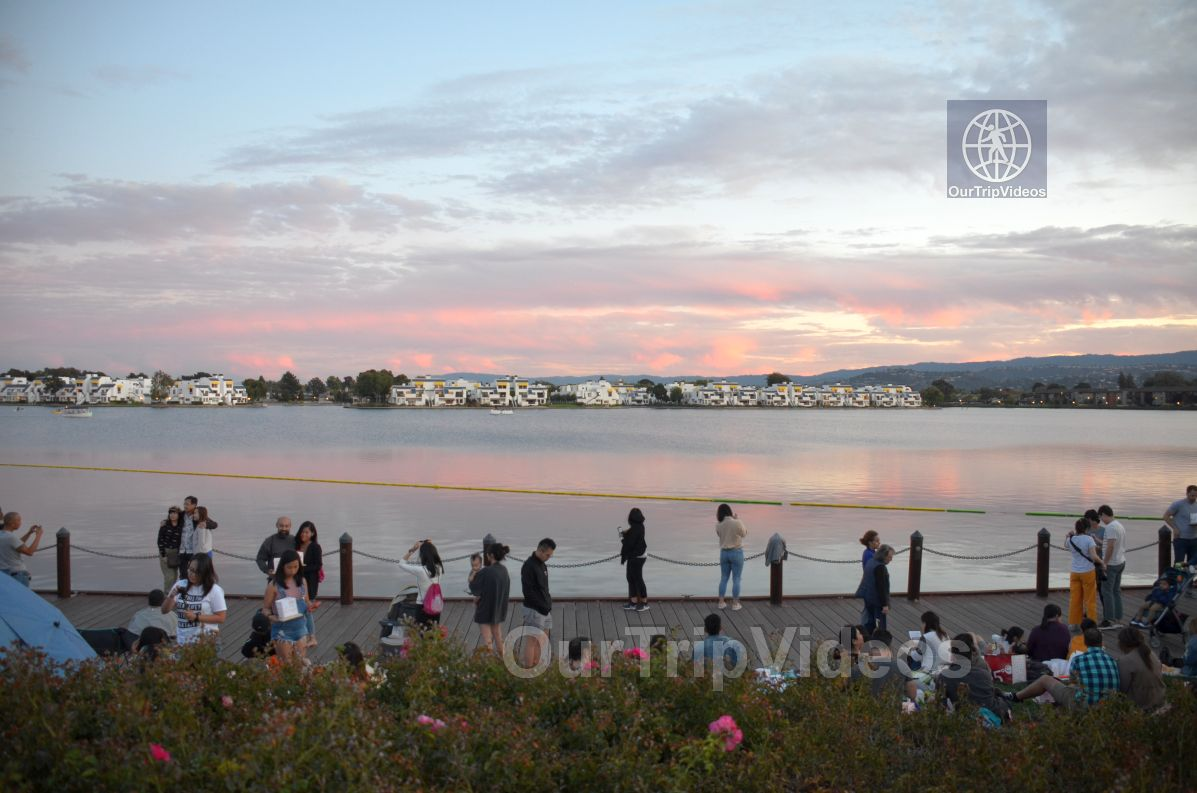 San Francisco(Bay Area) Water Lantern Festival, Foster City, CA, USA - Picture 39 of 50