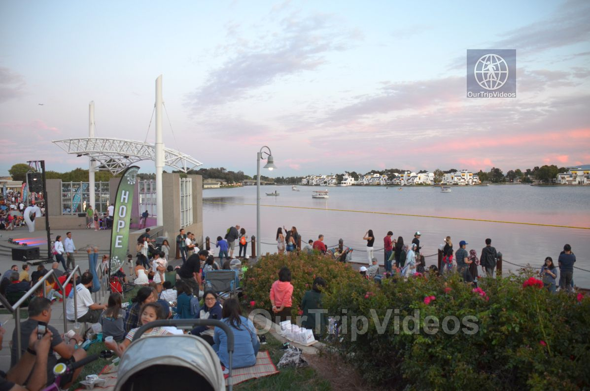 San Francisco(Bay Area) Water Lantern Festival, Foster City, CA, USA - Picture 40 of 50