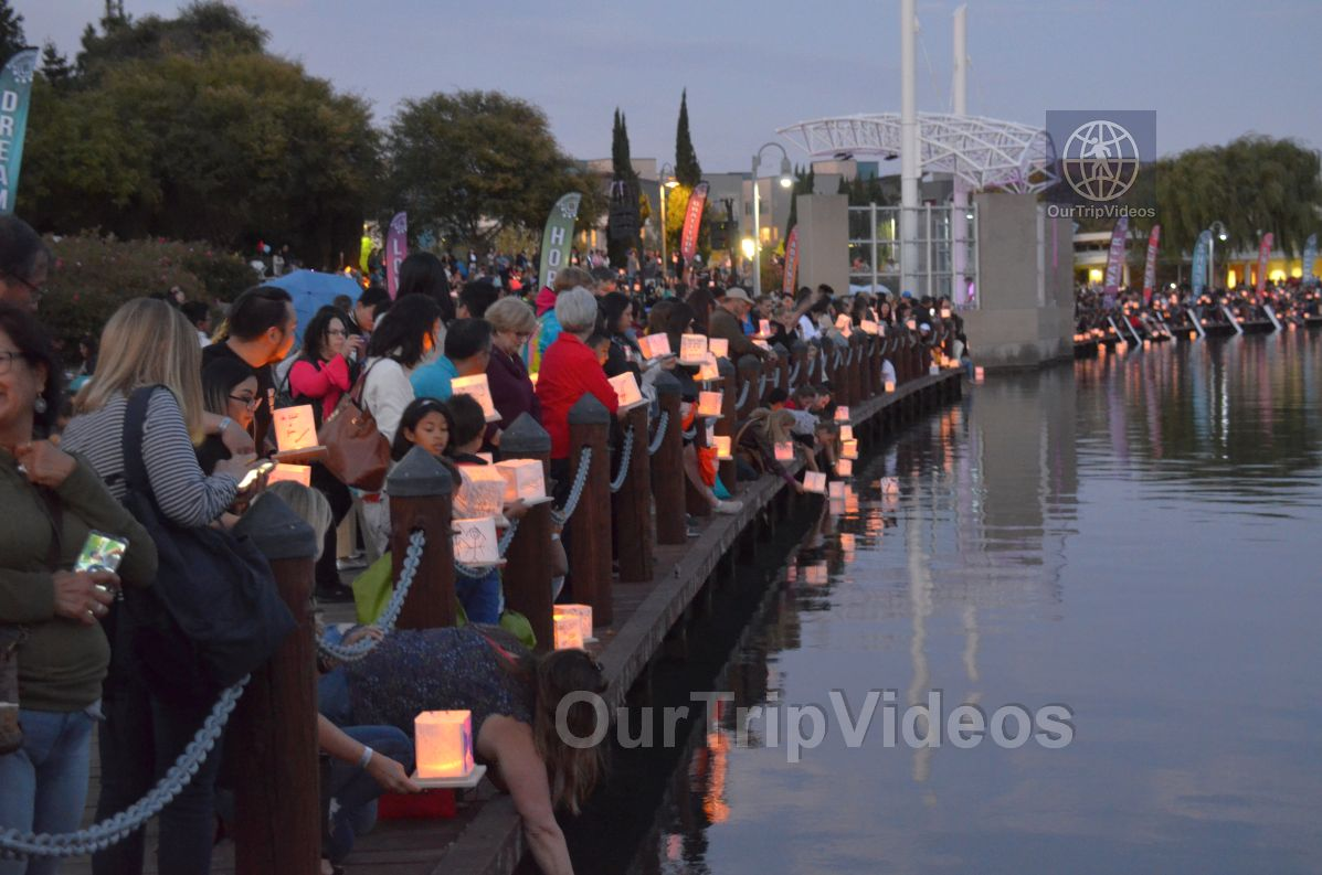 San Francisco(Bay Area) Water Lantern Festival, Foster City, CA, USA - Picture 56 of 75